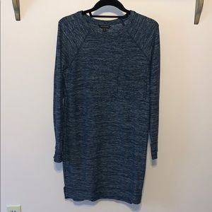 Soft, long sleeve, navy blue, with upper pocket